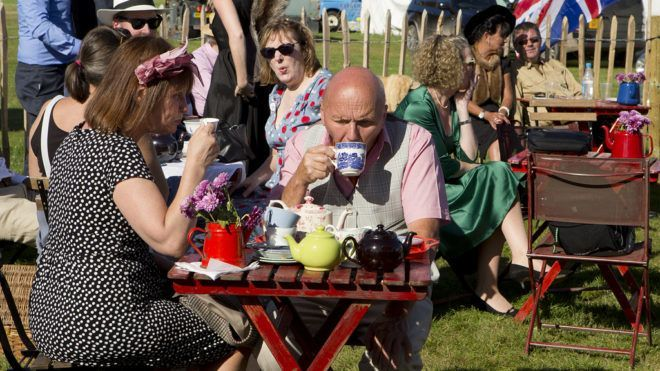 Egy brit hotel teakóstolókat keres