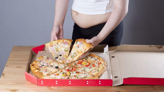 Egy amerikai étterem állítja: spéci pizzájuk beindítja a szülést
