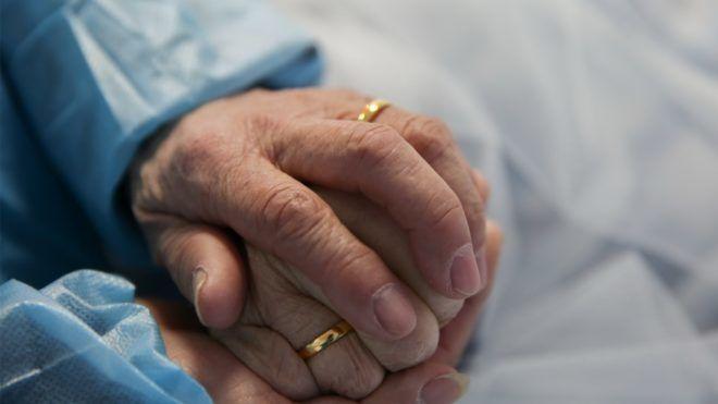 45 éve egymás mellé ültették őket, most összeházasodtak