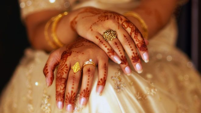 Késett a vőlegény az esküvőről, a menyasszony hozzáment máshoz