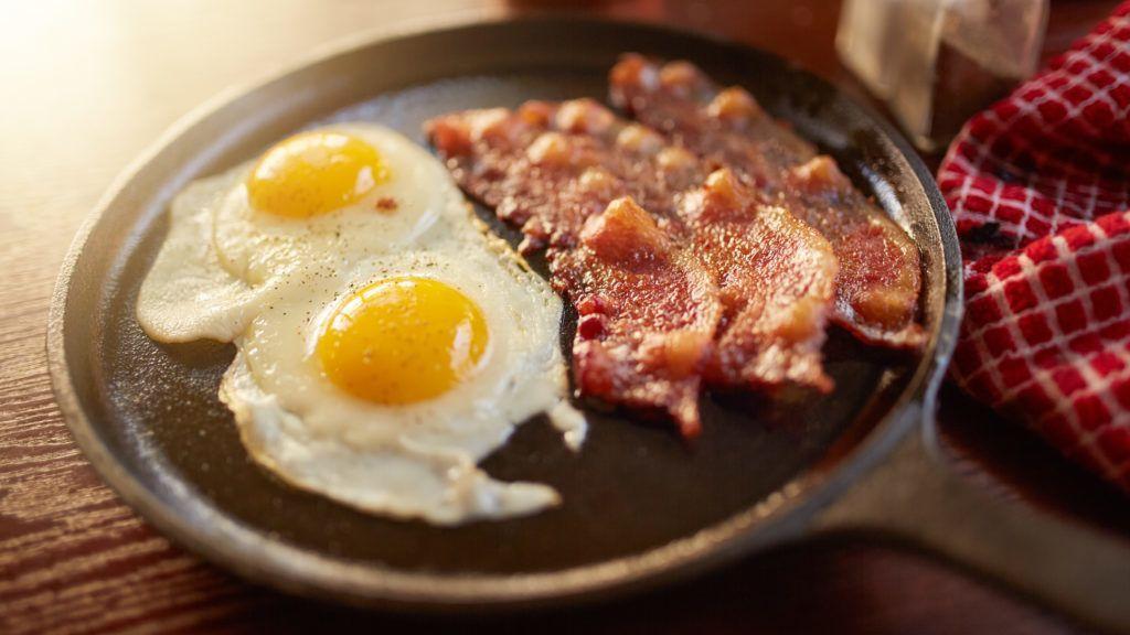Reggelit főzött magának a betörő