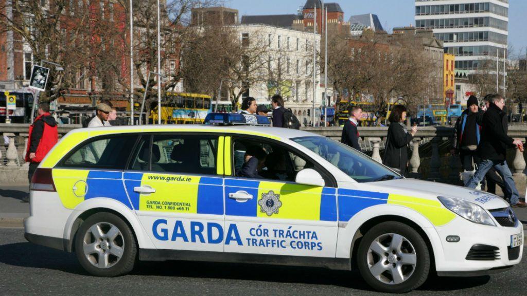 Utolsó esélyt kapott az ír nő, aki ellen 648-szor emeltek vádat