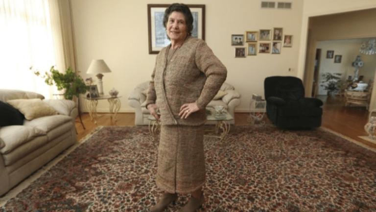 Alkalmi ruha Nejlonzacskókból